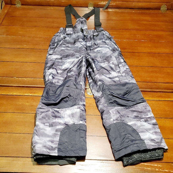NWT Weatherproof 32 Degrees Boys/' Ski//Boarder Suspender Snow Pants Gray S 7//8